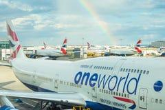 ЛОНДОН, ВЕЛИКОБРИТАНИЯ - 19-ОЕ АВГУСТА 2014: British Airways Боинг Стоковое фото RF