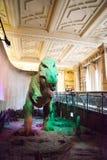 ЛОНДОН, ВЕЛИКОБРИТАНИЯ - 27-ОЕ ИЮЛЯ 2015: Музей естественной истории - детали от Dinosaurus Стоковые Изображения