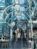 ЛОНДОН, ВЕЛИКОБРИТАНИЯ - 14-ОЕ ИЮНЯ: Lloyds здания Лондона на солнечный день Стоковые Фотографии RF