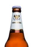 ЛОНДОН, ВЕЛИКОБРИТАНИЯ - 15-ОЕ МАРТА 2017: Бутылка пива Singha, пива Singha самый популярный в Таиланде, Rayong, Таиланде Стоковые Фотографии RF