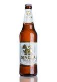 ЛОНДОН, ВЕЛИКОБРИТАНИЯ - 15-ОЕ МАРТА 2017: Бутылка пива Singha, пива Singha самый популярный в Таиланде, Rayong, Таиланде Стоковое Изображение