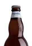 ЛОНДОН, ВЕЛИКОБРИТАНИЯ - 29-ОЕ МАЯ 2017: Бутылка пива пшеницы Hoegaarden бельгийского на белизне Бельгия и производитель известно Стоковое фото RF