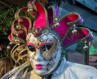 ЛОНДОН - 9-ОЕ ДЕКАБРЯ: Венецианская маска для продажи на зиме Wonderlan стоковые фотографии rf