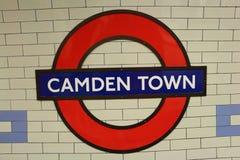 ЛОНДОН - 1-ое июня: Станция метро городка Camden Стоковые Фото