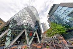ЛОНДОН - 25-ОЕ СЕНТЯБРЯ 2016: Верхний взгляд skyscrap города Лондона стоковое фото rf