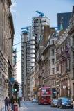 ЛОНДОН, улица Государственного банка Англии и банк Lloyds взгляд здания город london Стоковая Фотография RF