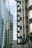 Лондон, Великобритания - 31-ое августа 2016: Взгляд через здания Lloyds и Willis Стоковые Изображения