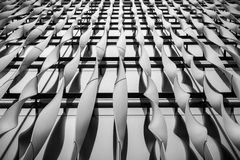 Лондон, Великобритания - 29-ое марта 2017: Абстрактная деталь алюминиевых ребер Стоковые Изображения
