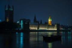 Лондон дом большого Бен и парламента на Темзе Стоковая Фотография