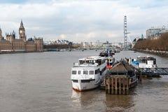Лондон, шлюпки на Реке Темза Стоковое Изображение