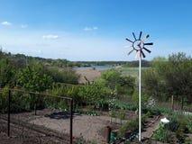 лопасть погоды в саде стоковое изображение rf