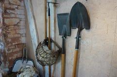 Лопаткоулавливатели, лопаты и другие садовые инструменты Стоковое Фото