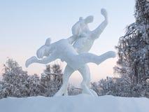 Лоси танцев - скульптура льда в Jokkmokk, Швеци Стоковое Фото