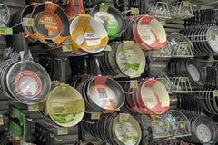 Лотки в магазине стоковая фотография