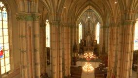 Лоток камеры от галереи католической церкви видеоматериал