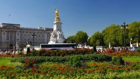 Лоток снятый Букингемского дворца в Лондоне акции видеоматериалы