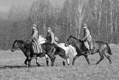 Лошади езды солдат-reenactors Стоковые Фото