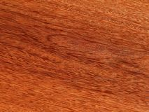 Лощите естественное mahogany Sukupira Материал для интерьера и мебели стоковое фото