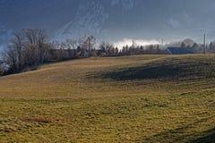 Луга и скалы горной цепи Vercors стоковые фотографии rf