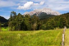 Луга и Loferer Skihörndl около Wiesensee, Австрии Стоковая Фотография RF
