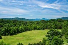 Луг горы и горы голубого Риджа Стоковое Изображение RF
