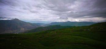 Луг на Schalbus-Dag горе, Дагестан, Кавказ Россия Стоковые Фото