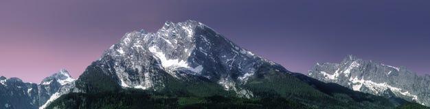 Луг с дорогой в национальном парке Berchtesgaden Стоковое Изображение RF
