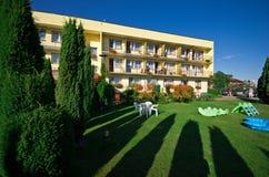 Лужайка гостиницы Стоковые Фотографии RF