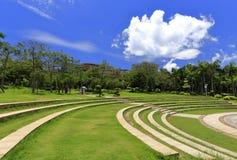 Лужайка шага в университетском кампусе xiamen, самане rgb Стоковая Фотография