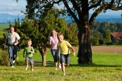 лужок семьи outdoors Стоковое Фото