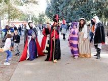 ЛУККА, ИТАЛИЯ - 11-ое ноября: маскирует персонажи из мультфильма на Лукке Стоковая Фотография RF