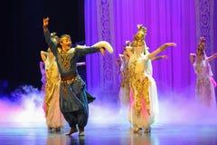 Луна балета танца-Hui бака сокровища над Helan Стоковое Изображение
