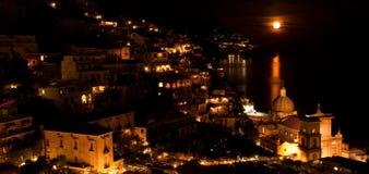 луна Италии над positano Стоковые Изображения RF