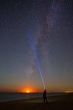 Луна, млечный путь и человек Стоковые Фотографии RF