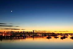 Луна над Melbourne Стоковые Фотографии RF