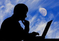 луна человека компьтер-книжки Стоковое фото RF