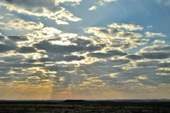 Лучи Солнця стоковые фотографии rf