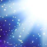 Лучи Sun на голубом небе с звездами Стоковое фото RF
