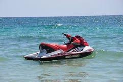 Лыжа двигателя в воде Стоковые Изображения RF