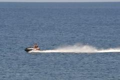 Лыжа двигателя на море Стоковые Фото
