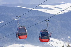 лыжа заполированности горы гондолы Стоковое фото RF
