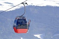 лыжа заполированности горы гондолы Стоковое Изображение