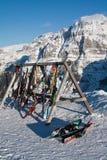Лыжи в деревянном инструменте Стоковое Фото