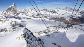 Лыжные курорты Cervinia и Zermatt Стоковые Изображения