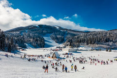 Лыжный курорт горы Стоковое Изображение