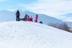Лыжный курорт Bansko, Болгария, люди, Mountain View Стоковое Изображение