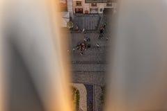 ЛЬВОВ, УКРАИНА - 8-ОЕ СЕНТЯБРЯ 2016: Городской пейзаж Львова и свет захода солнца Городок Львова старый обрамлено стоковое фото