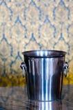 льдед шампанского ведра пустой Стоковые Изображения