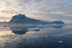 Льды и айсберги полярных областей земли Стоковая Фотография