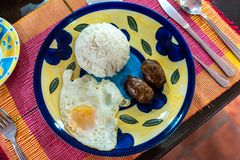Любимые завтраки филиппинцев - Longanisa стоковое изображение